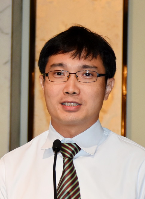 Dr. Poh Beow Kiong